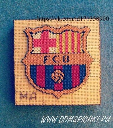 Эмблема Барселоны из спичек