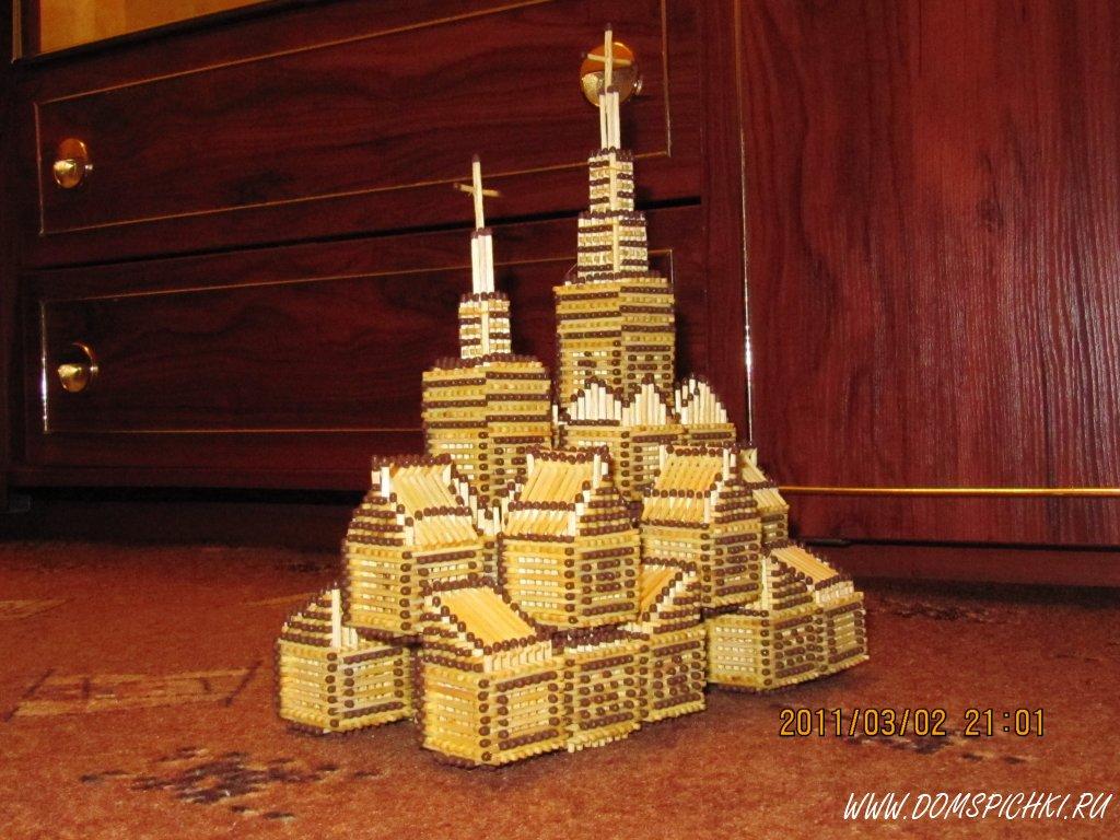 Еще одна церковь.  На сборку ушло около 150 коробков спичек(скинуть на брак:тонкие, кривые, ломанные)...
