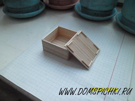 Коробочка из зубочисток